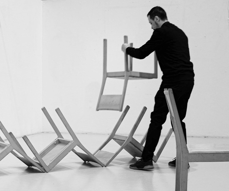 10chairs_installation